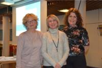 FOTO: Avisa Valdres. Sissel Torsvik fra NUBU sammen med TIBIR- terapeuter Olga Nyhus og Kari Mette Rognås.