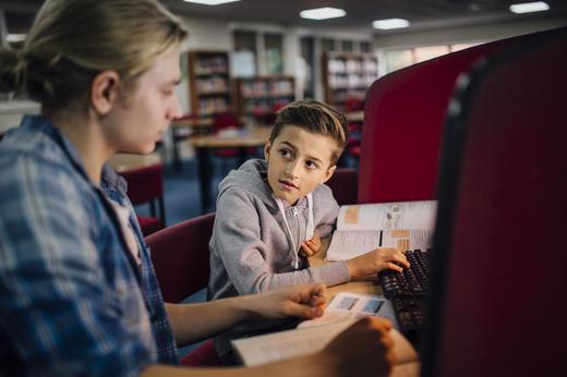 Barn i barnevernet og skolefaglig utvikling: Dessverre finnes det lite kunnskap om effektive skolestøttetiltak for barn med tiltak i barnevernet. Foto: Illustrasjonfoto Colourbox.